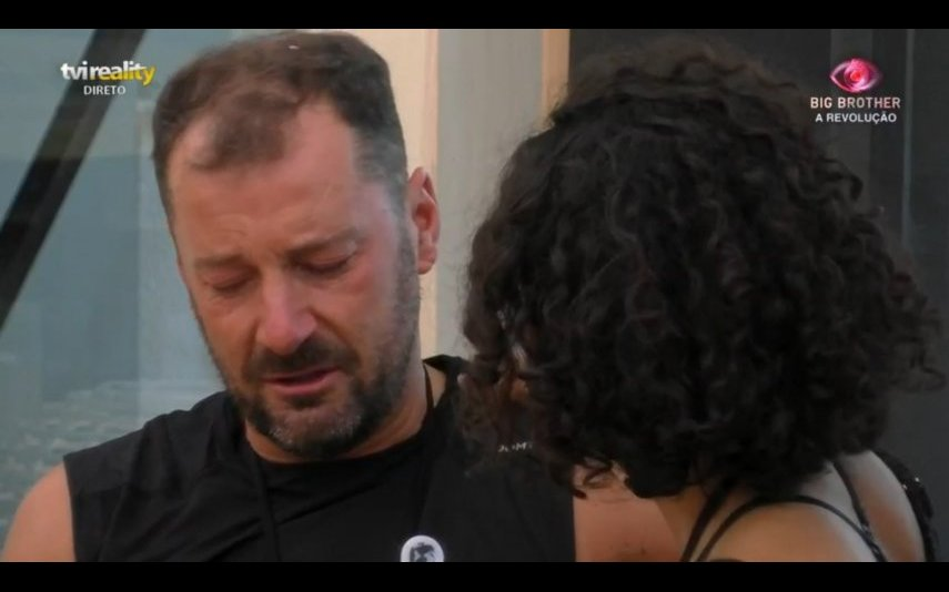 """Pedro do """"Big Brother"""" desfaz-se em lágrimas no ombro de Jéssica"""