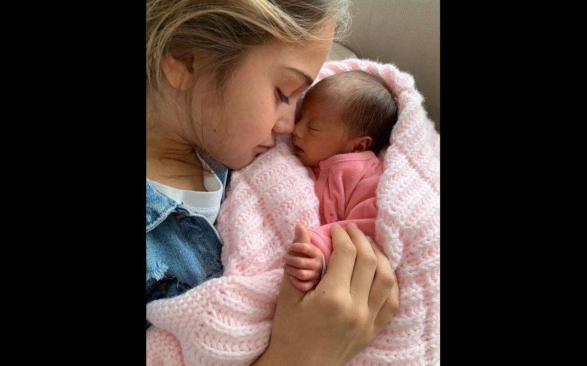 Cláudia Vieira partilha fotos inéditas do parto de Caetana