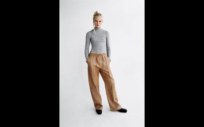 Sweatshirt de tato suave com pérolas Zara - 17,95€