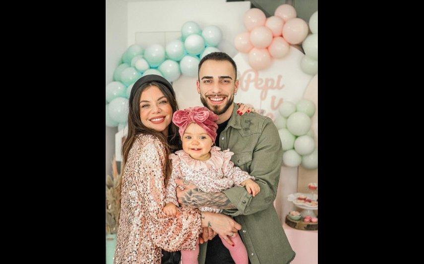 Mel Jordão e Diogo Piçarra com a filha do casal