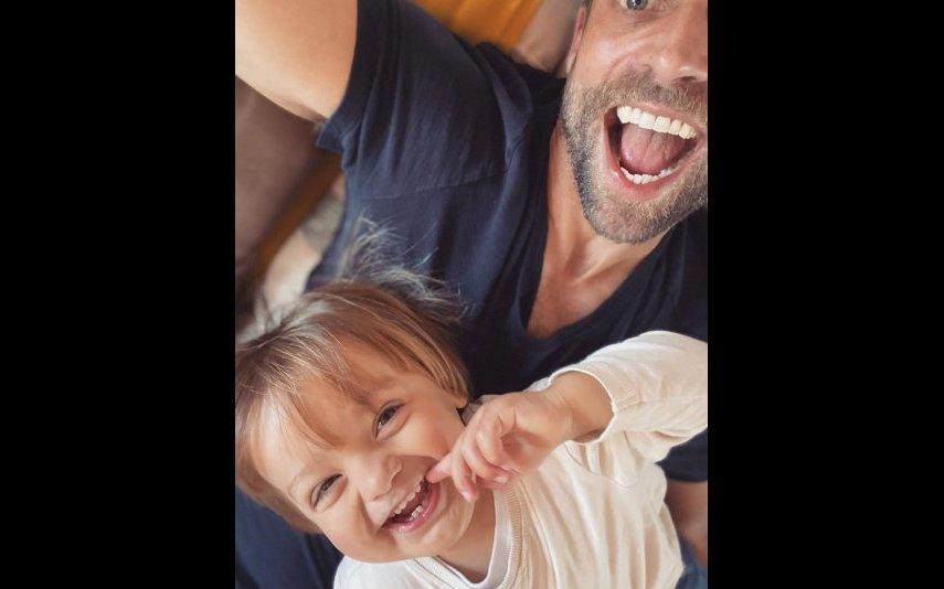 Jessica Athayde fotografou Diogo Amaral com o filho de ambos, Oliver, ao colo