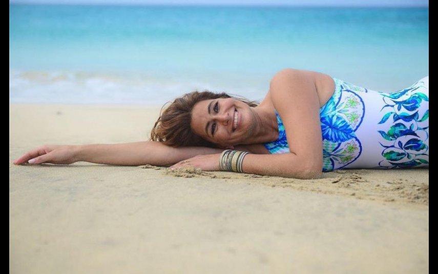 Liliana Campos mostrou-se em biquíni e cheia de elasticidade