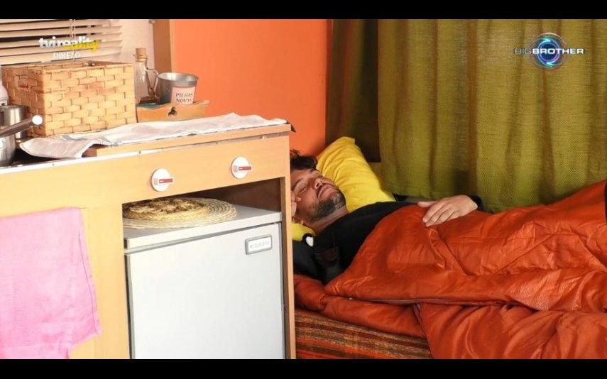 """Bruno do """"Big Brother"""" confessa estar apaixonado por colega da casa desde o primeiro dia"""