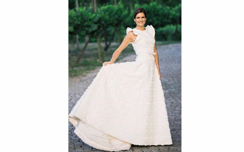 O vestido de noiva foi desenhado por Nuno Baltazar   Leia mais em: http://www.novagente.pt/node/add/noticia
