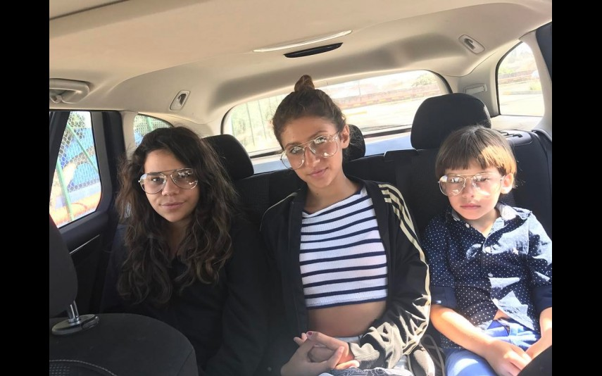 Amiga e filhos de Agnes, Sara e Martim