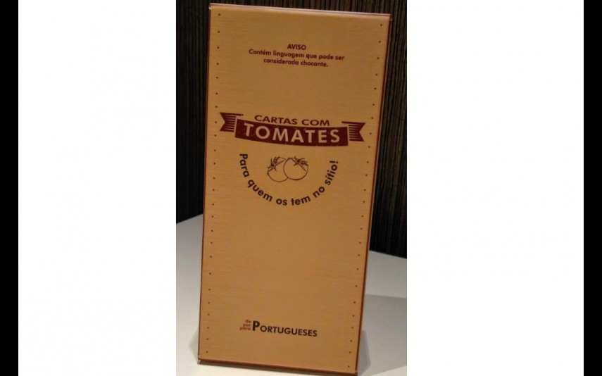 Cartas com tomates, 29,90 euros. Versão portuguesa do Cards Agains Humanity