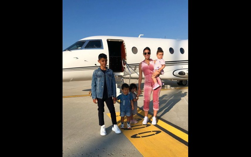 Georgina Rodríguez viaja em família