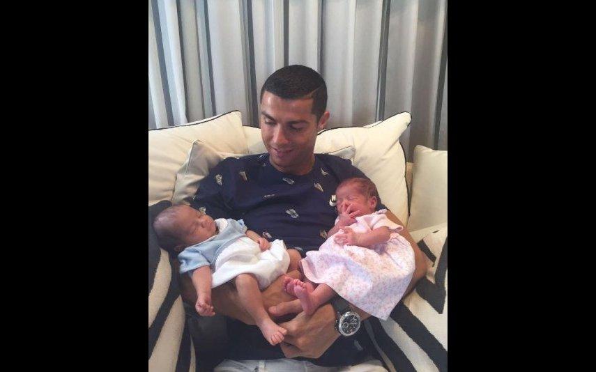 Cristiano Ronaldo e gémeos