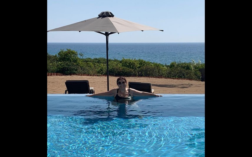 Dolores Aveiro na piscina