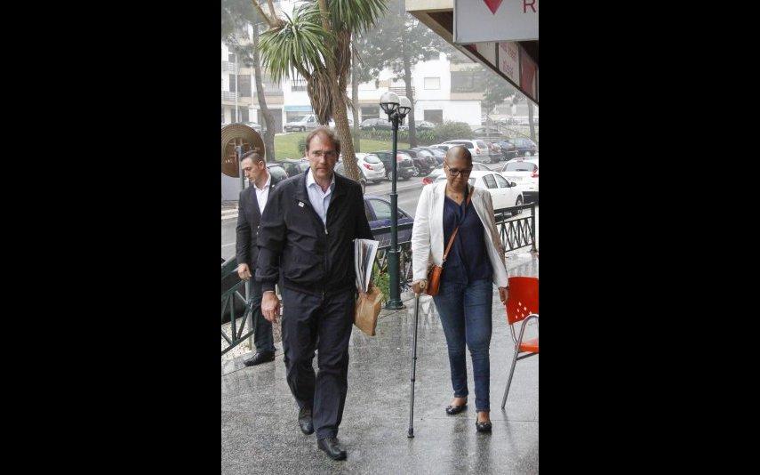 Pedro Passos Coelho e Laura Ferreira à porta de casa