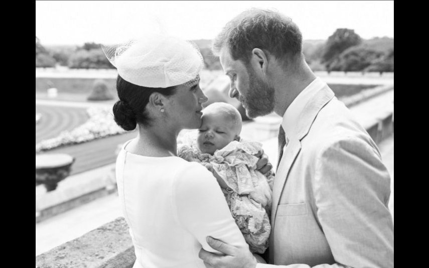 Duques de Sussex com filho Archie