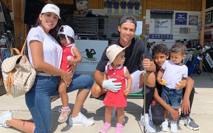 Georgina Rodríguez, Eva, Alana Martina, Mateo, Cristianinho e Cristiano Ronaldo