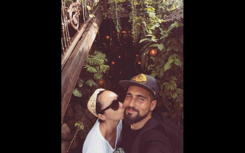 Débora Monteiro e o namorado