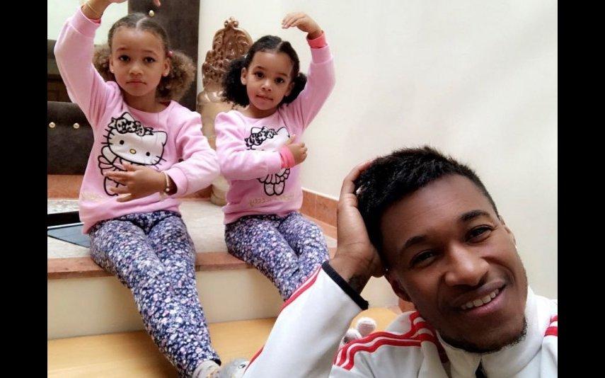 Yannick Djaló com as filhas Lyonce e Lyannii